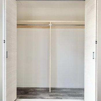 【LDK】クローゼットには、仕切りがあります※写真は3階の同間取り別部屋のものです