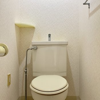 工事前】既設トイレをクリーニングで綺麗にして小物類は新品交換です!