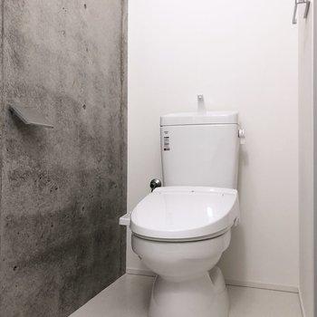 脱衣所兼トイレです。※写真は3階の同間取り別部屋のものです