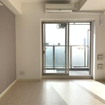 エアコンが真ん中なので、空調の調整がしやすい!(※写真は13階の同間取り別部屋のものです)