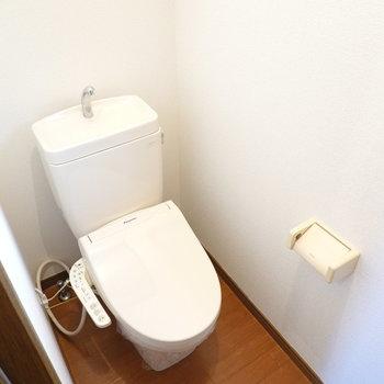 トイレも嬉しいウォシュレット付き◎