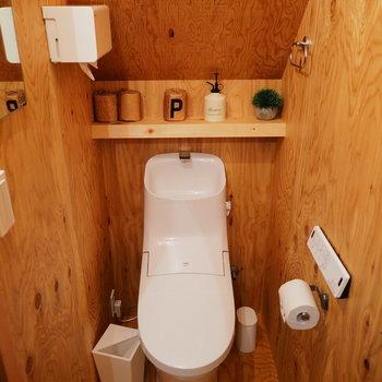 トイレも、木!