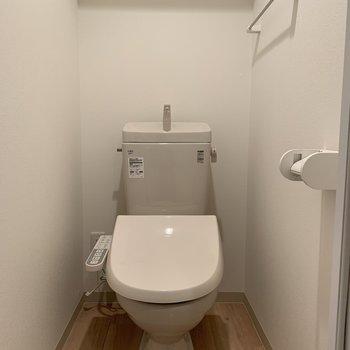 おトイレもスペース広めです◎
