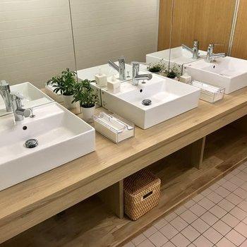 【トイレ】木のぬくもりを感じてリラックス◎