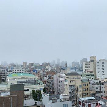 晴れてたら隅田川がきれいに見えるかな?