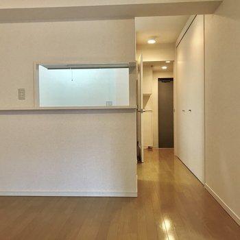 カウンターキッチンですよ!※写真は2階の同間取り別部屋のものです