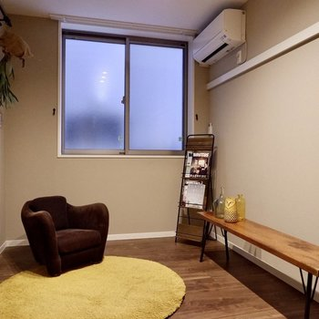 【洋室②】各部屋にエアコンが付いています。