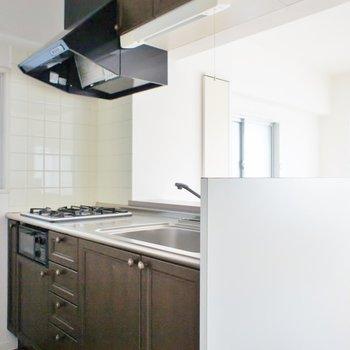 キッチンは使い勝手が良さそう。※写真は3階の同タイプのお部屋のもの