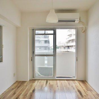 エアコン各部屋についています。※写真は3階の同タイプのお部屋のもの