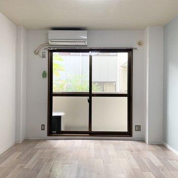 壁と床の色が良いな〜。