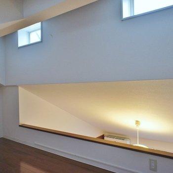 小窓もあって光が差し込みます※写真は同タイプの別室です。