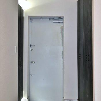 間接照明が素敵な玄関。