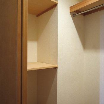 【洋室】小棚もありました