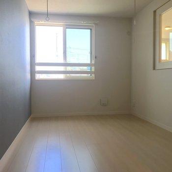 上階は寝室になります。室内干しもできます。