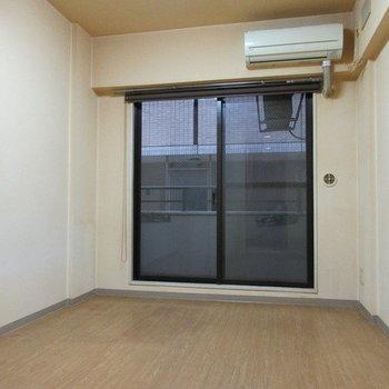 ライオンズマンション関内第六 406号室