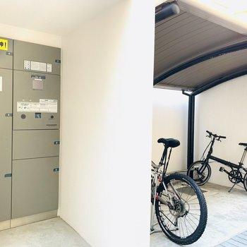 宅配ボックス、自転車置場などもあります!