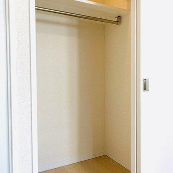 そして右側の扉は、ウォークインクローゼット。
