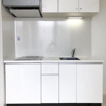料理がはかどりそうなキッチン。※写真は4階の同間取り別部屋のものです