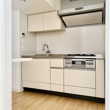 【LDK】キッチン。広々としていますね。
