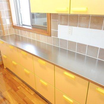 同じメーカーのキッチン家電をズラッと並べておきたくなる。