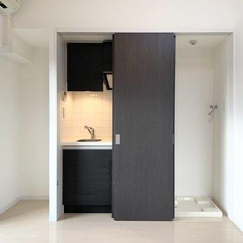キッチンと洗濯機置場は、