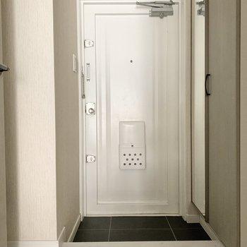 玄関は1人分のサイズ