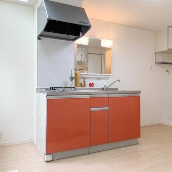 キッチンです。右でも左でも、家具の配置に合わせて冷蔵庫が置ける作り。