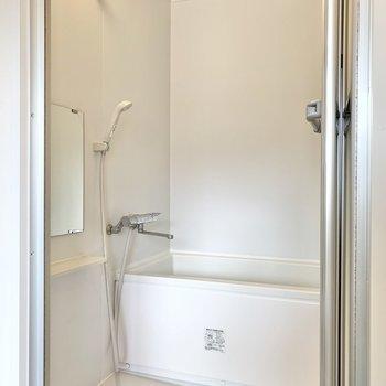シンプルなつくりですが、洗い場と浴槽にはゆとりが感じられます。