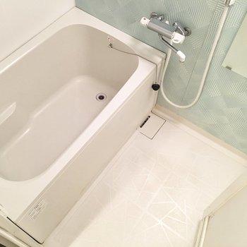 ミントカラーでお風呂も清潔感があります。