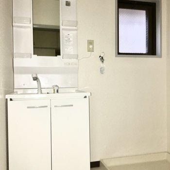 独立洗面台で朝の身支度もスムーズに◎※写真は通電前のものです