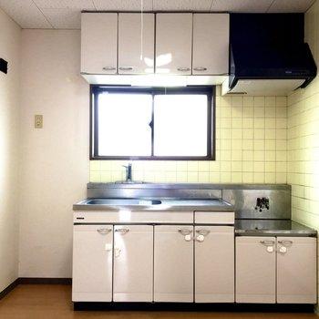 【DK】左手には冷蔵庫をすっぽりと設置できます