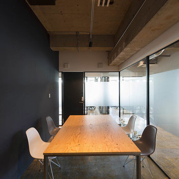 【4F】共有のミーティングスペースです