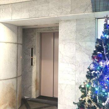 エレベーターで3階へ。