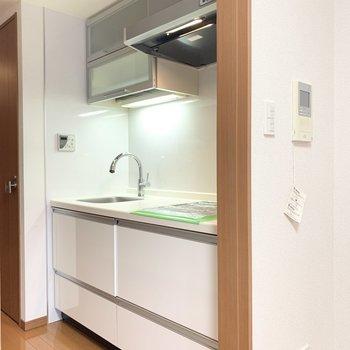 清潔感のあるキッチン。
