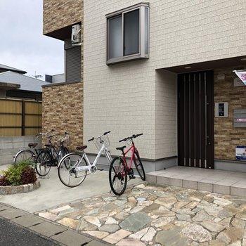 自転車置場も建物目の前に!