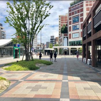 六本松駅は開発が進みます。