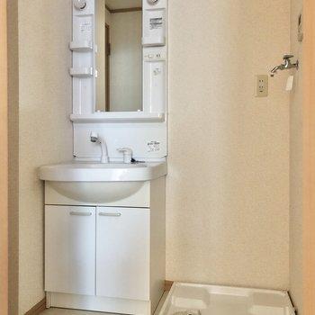 独立洗面台が嬉しいですね。