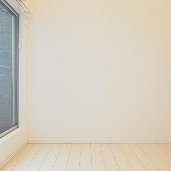 洋室は約5.6帖とコンパクトですが、ロフトを寝室にすればゆったり使える。