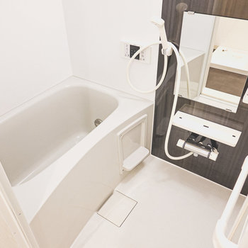 お風呂は追い焚き付きだから長風呂だってできちゃいます。