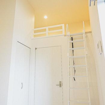 天井の高いロフト付き!開放感たっぷりで居心地良い〜。