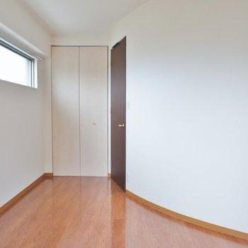 曲線の壁が特徴的。※写真は、3階の同タイプのもの