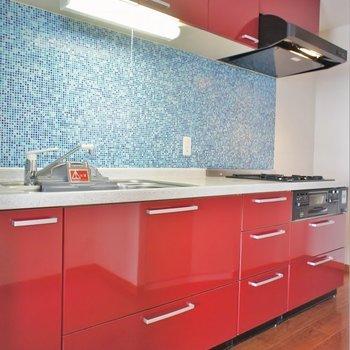 独立タイプのキッチンスペース。※写真は、3階の同タイプのもの