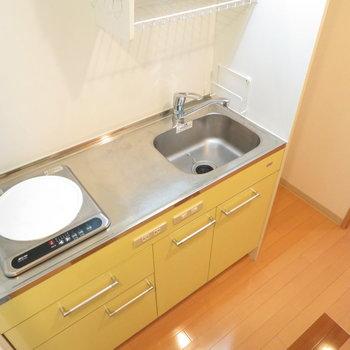 調理スペースはありますね。IHコンロのキッチン