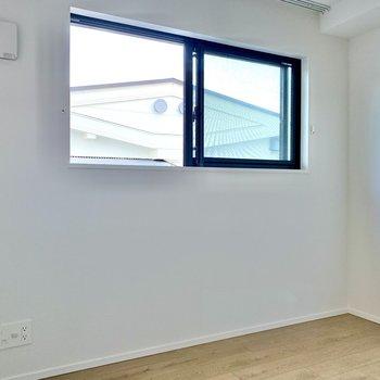 【5.0帖】こちらの壁側にテレビが置けますね