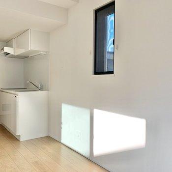 【4.8帖】キッチン隣には冷蔵庫が置けますね