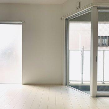 多いな窓がたくさんあると、開放的です。
