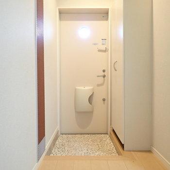 玄関まわりも物を置けそうです。※写真と文章は別部屋・類似間取りのものです。