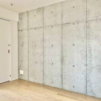 【5.3帖】コンクリートでクールさもあるお部屋です