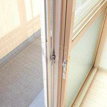 ドアは二重窓!寒い季節にはありがたいですね。