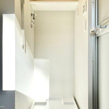 洗剤は上に置けますよ※写真は3階の同間取り別部屋のものです